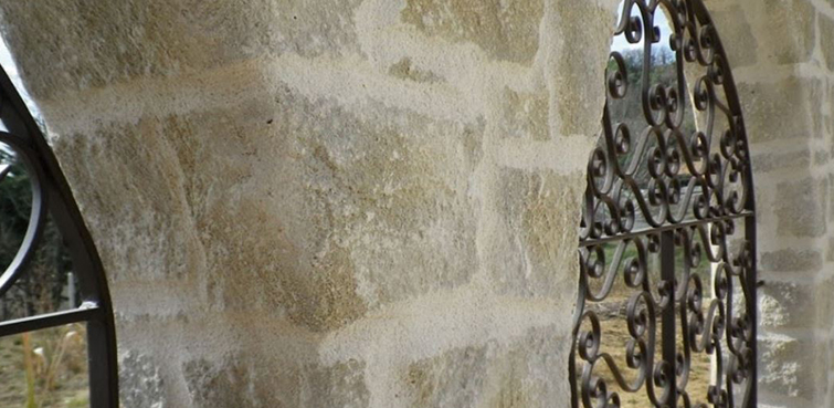 Façade imitation pierre et décoration de mur imitation pierre à Ternay 69360