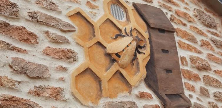 Les façades en pierre ont le vent en poupe